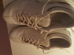Bile boty